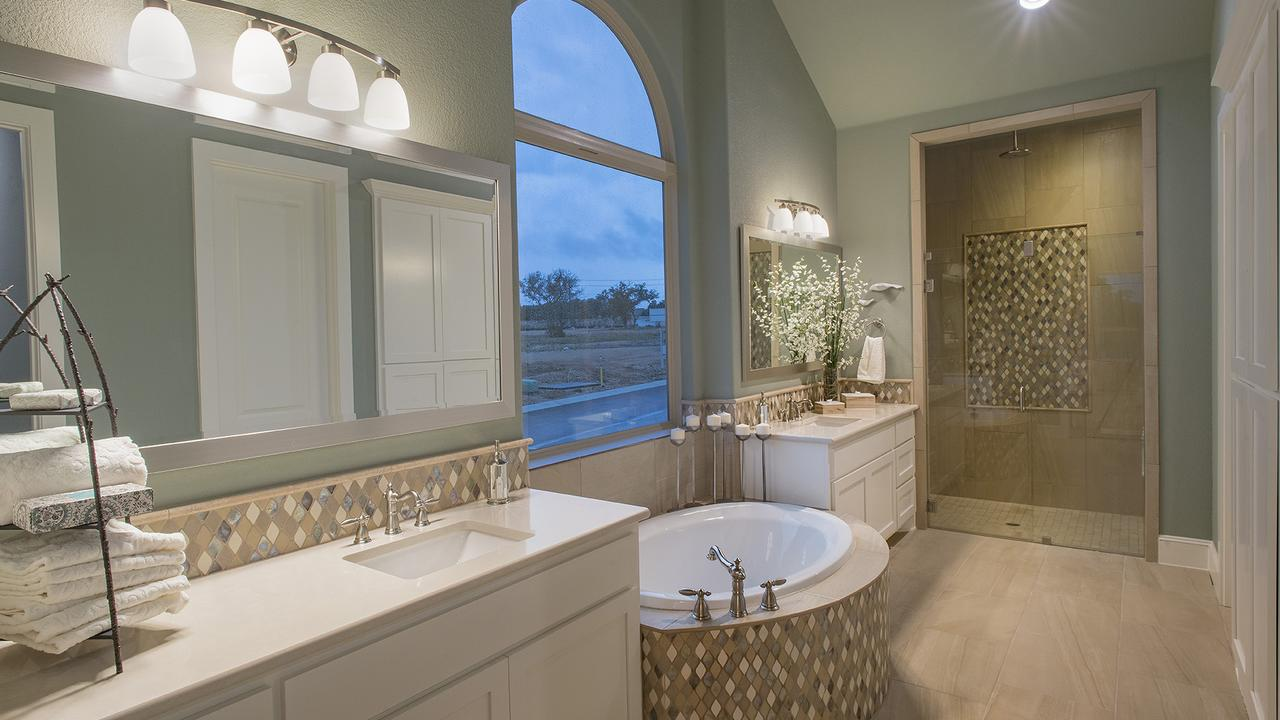 1_villa_master_bathroom